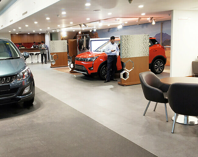 SKS Automobiles : Mahindra dealers and showrooms in Salem,Attur